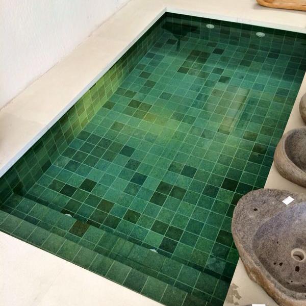 Ejemplo piscina Green Stone Sukabumi + Black Lava 10x10x1cm